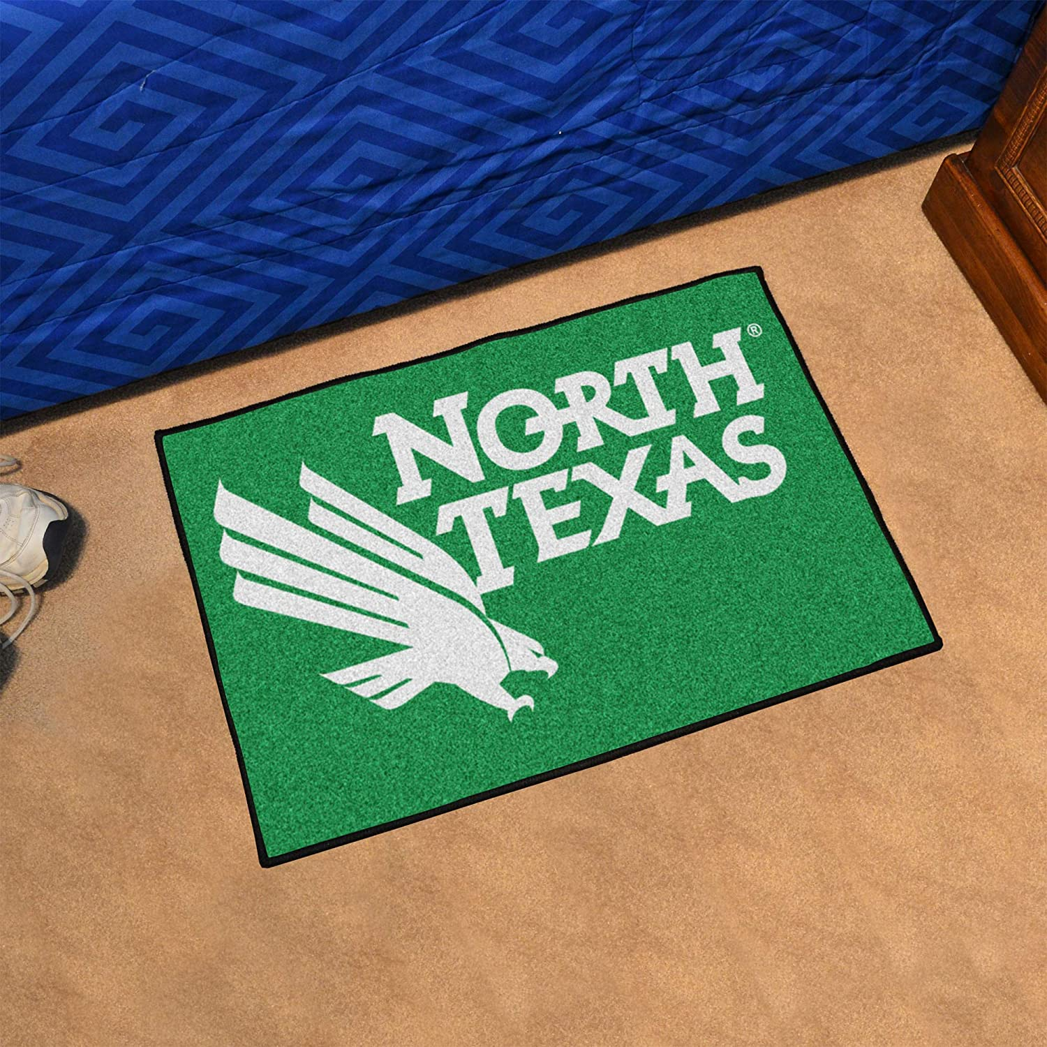 FANMATS 2791 Team Color 19x30 North Texas Starter Rug