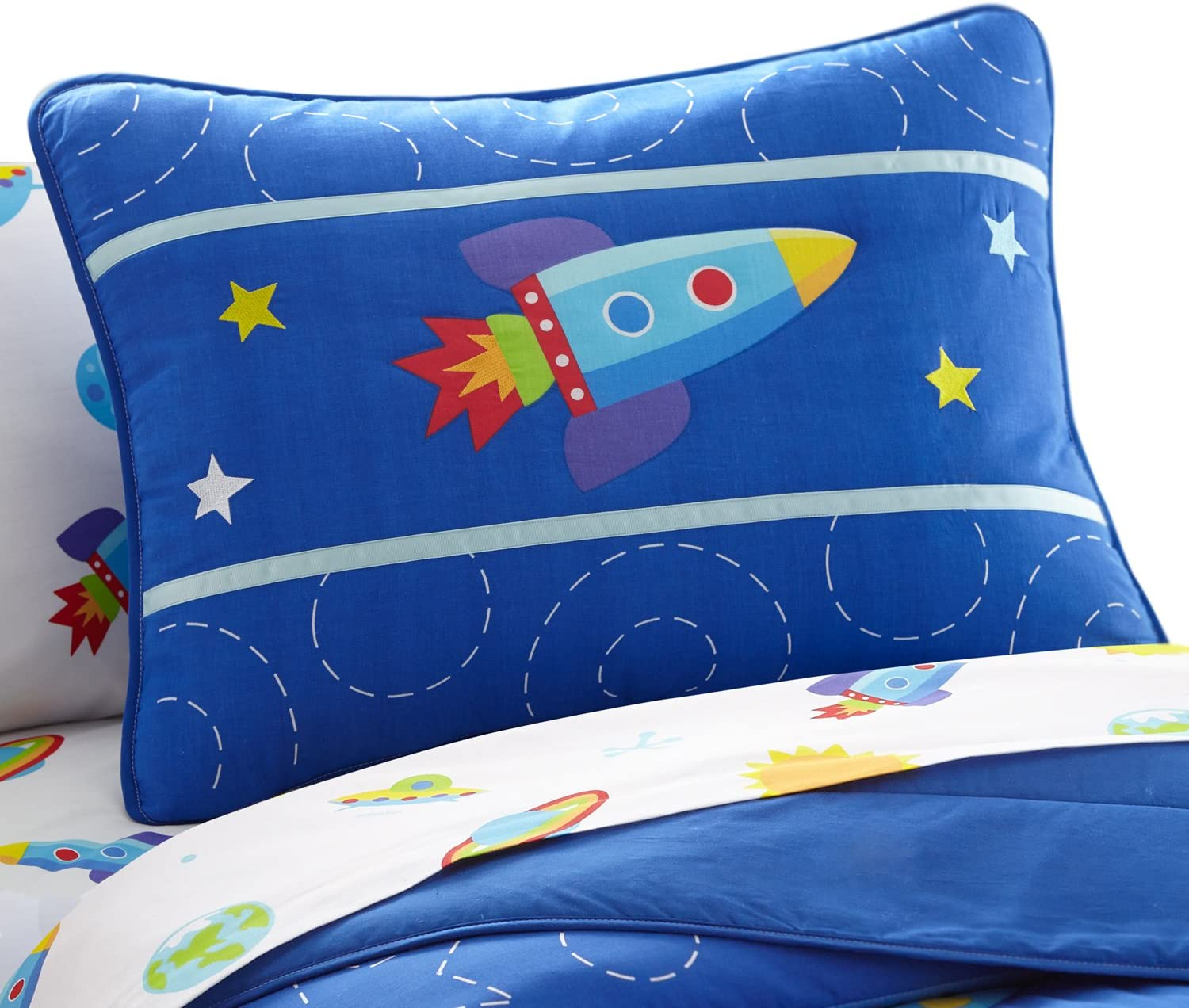 Wildkin Kids 100% Cotton Pillow Sham for Boys and Girls, Breathable Fabric, Envelope Closure, Measures 20 x 26 Inches, Fits a Standard Pillow, Pattern Coordinates with Our Sheet Sets and Comforters