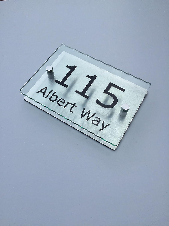 Modern House Signs CAVAN –  Placa para nú mero de puerta (forma de nombre de calle efecto cristal acrí lico aluminio (G) plass tec trading