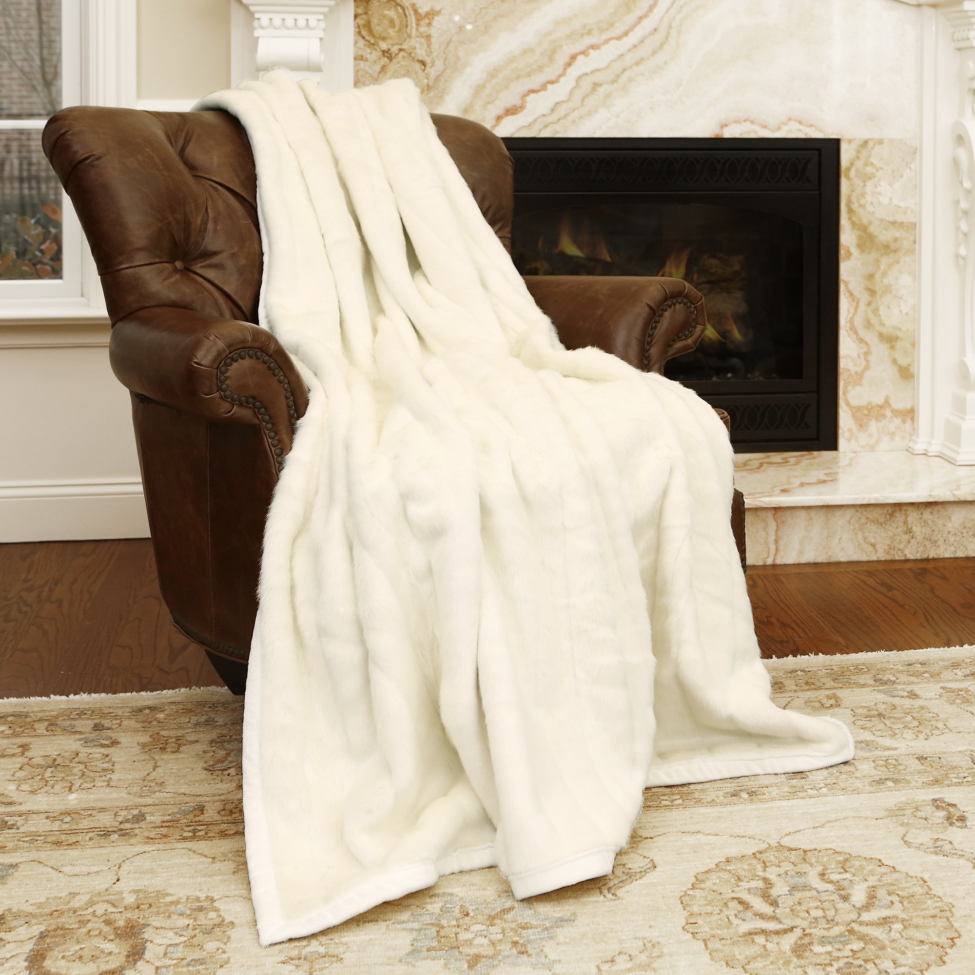 Best Home Fashion Faux Fur Throw - Lounge Blanket - White Mink - 58''W x 60''L - (1 Throw)