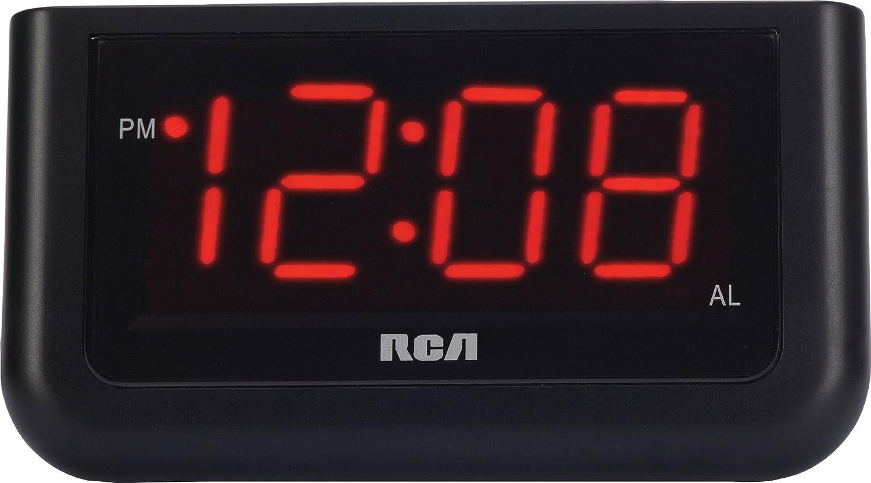 amazon com rca digital alarm clock with large 1 4 display home