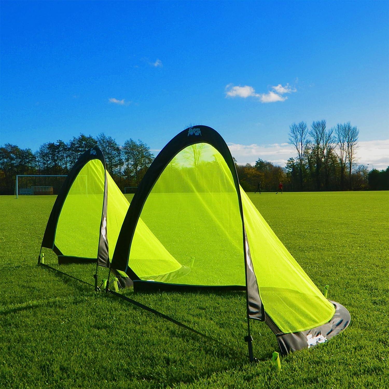 porterías plegables para jugar a fútbol en el jardín