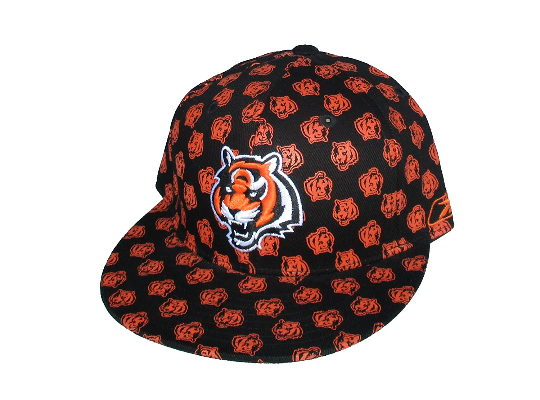 ec0bff329 Amazon.com   Cincinnati Bengals Adult Fitted Size 7 3 8 NFL Authentic Black    Orange Hat Cap   Sports   Outdoors