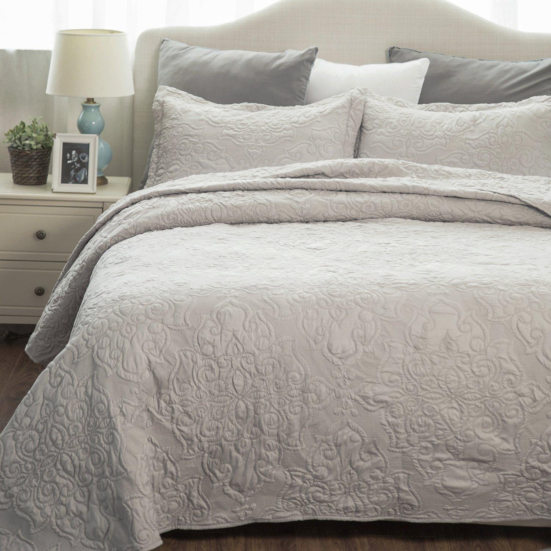 Bedsure Comfy Bedding Set Quilt Embroidered Full/Queen Quilt Set 90''x96'' Damask Pattern 3-Piece Bedspread Lightweight Microfiber by Bedsure