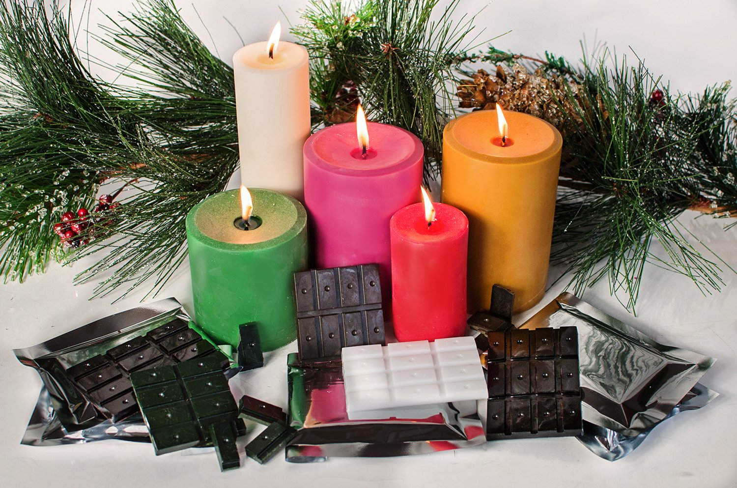 Candlewic Christmas Colors Candle Dye Assortment Pack, Mauve/Red/Kelly Green/Gold & White Binder Industries 58301