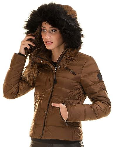 Chaqueta acolchada corta con capucha de Vero Moda