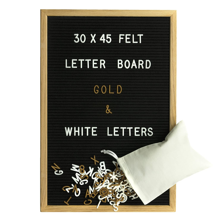 Gadgy ® Letter Board Holz und Filz 30x45 cm | Buchstaben Tafel Buchstabenbrett Rillentafel | Mit 680 Weiße und Goldfarbige Buchstaben & Zahlen und Beutel | Retro Felt