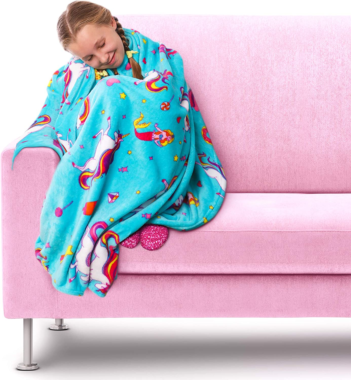 blue-girls-unicorn-fleece-blankets
