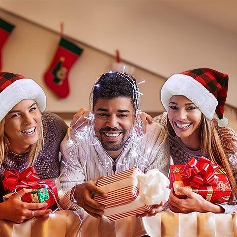 per Adulti e Bambini Aneco Set di 4 Cappelli di Babbo Natale a Plaid in Peluche con Polsini Bianchi