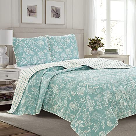 Amazon Com 3 Piece Reversible Quilt Set With Shams All Season Bedspread With Floral Print Pattern In Contemporary Colors Emma Collection By Great Bay Home Brand Full Queen Blue Kitchen Dining