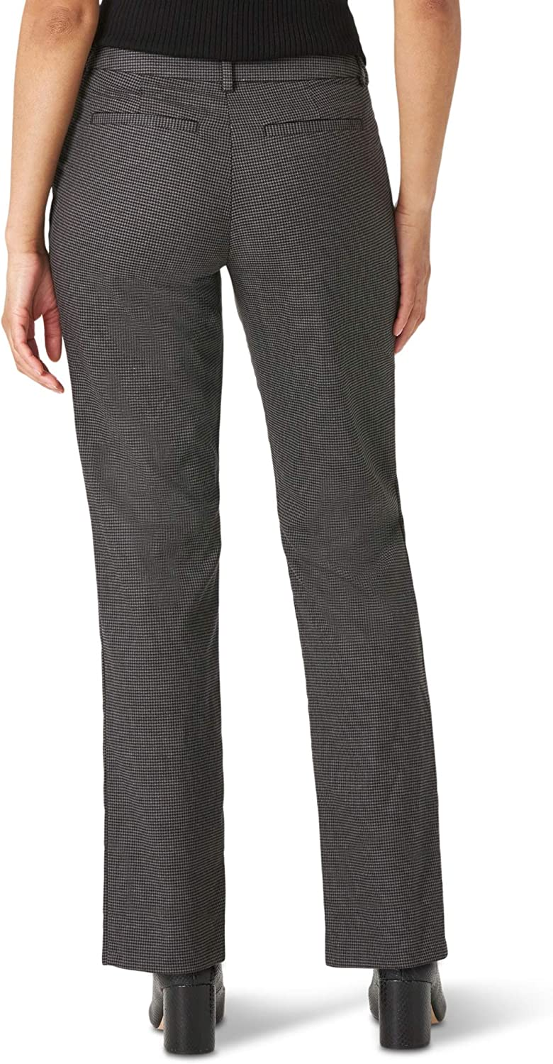 Lee Women's Wrinkle Free Relaxed Fit Straight Leg Pant at  Women's Clothing store