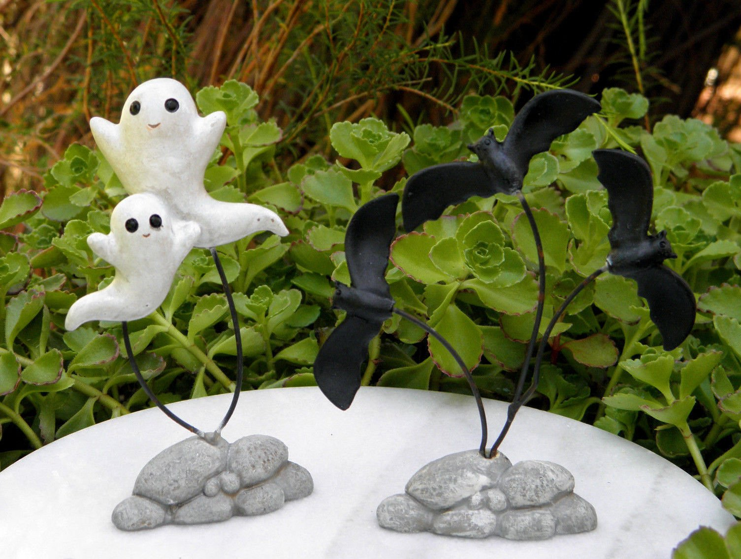 Miniature Dollhouse Fairy Garden Set Of 2 Halloween ''Flying'' Ghosts & Bats