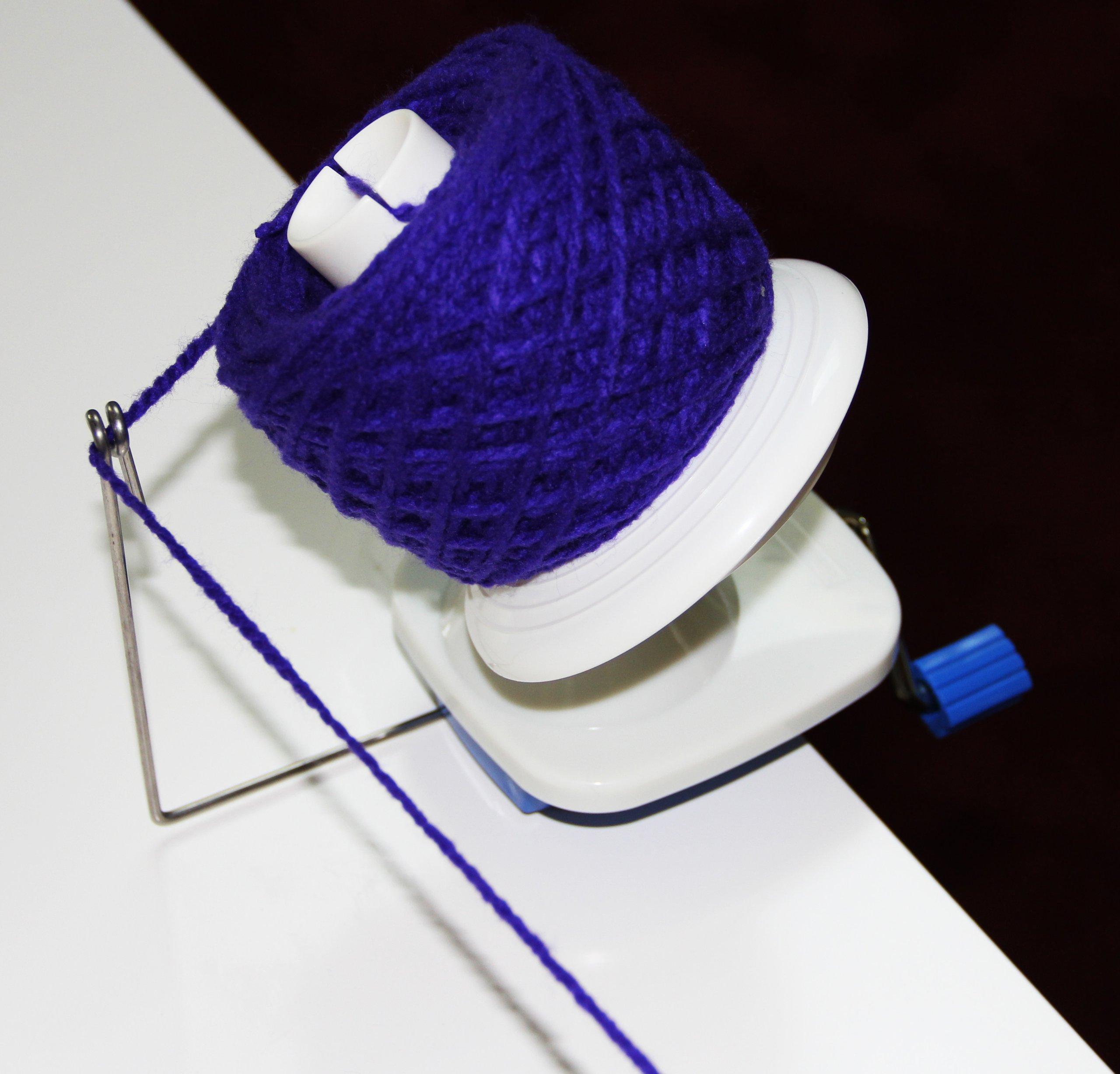 Stanwood Needlecraft YBW-A Hand-Operated Yarn Ball Winder, 4-Ounce