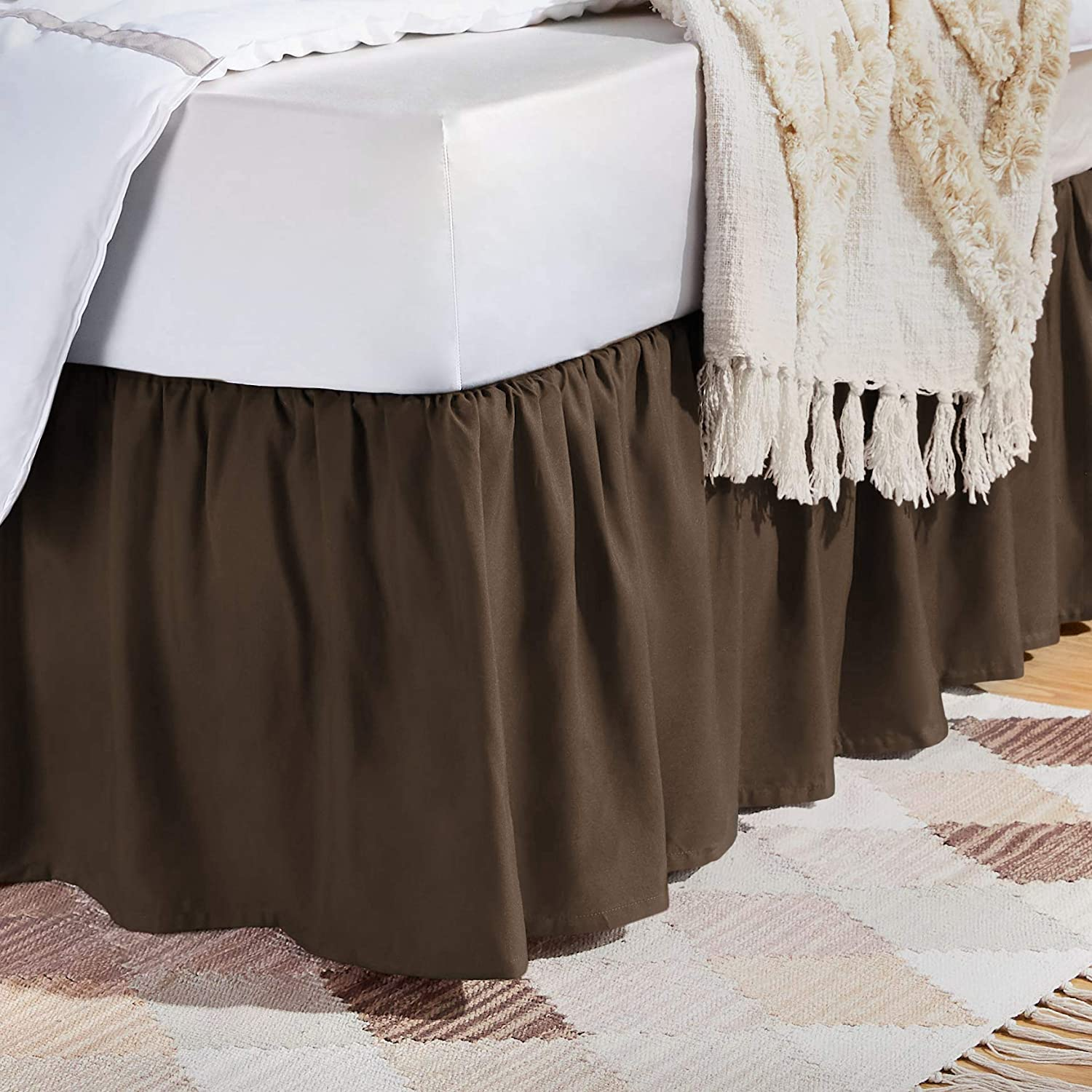 AmazonBasics Ruffled Bed Skirt - Queen, Chocolate