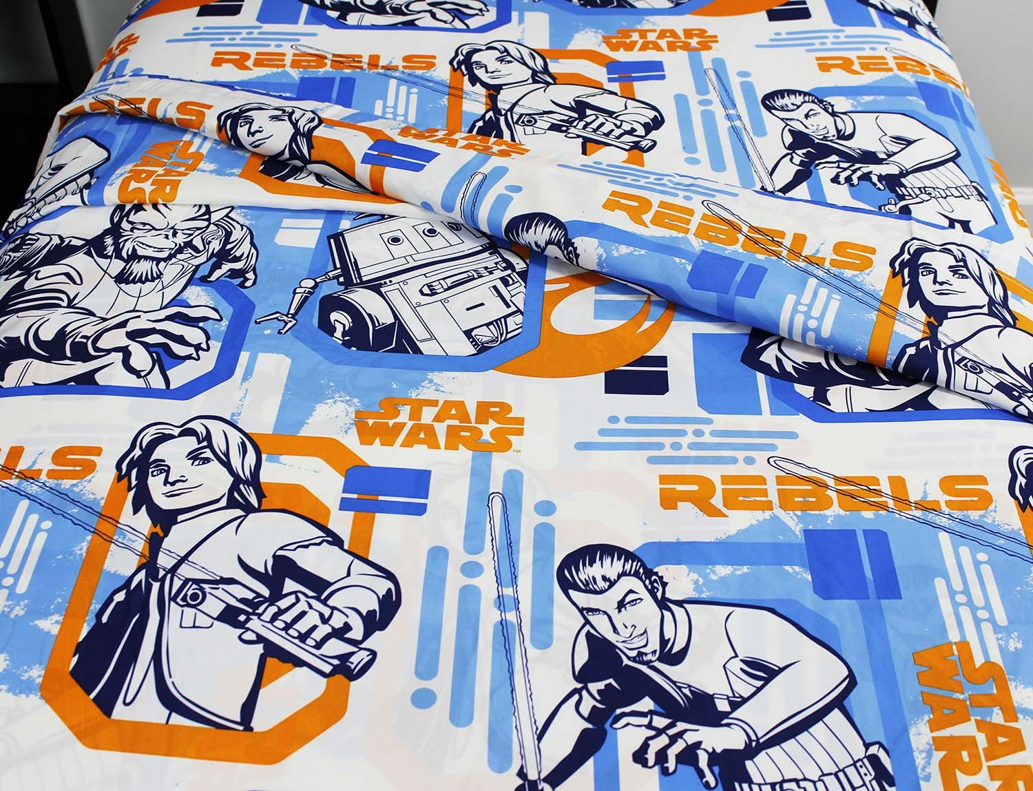 8pc Star Wars Twin Bedroom Set Rebels Fight Comforter Sheets and Window Panels with Tie-Backs by Disney (Image #4)