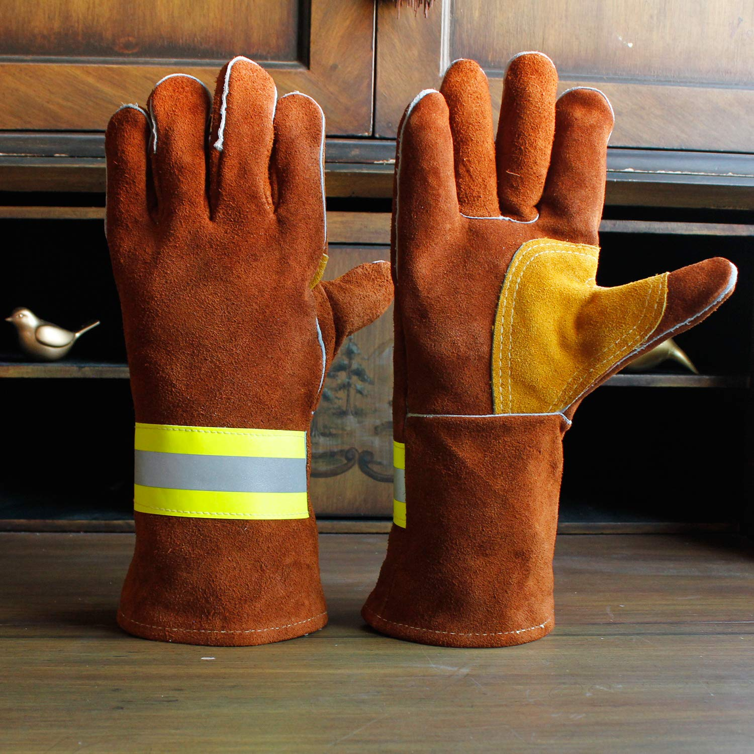 Silver Chuan Zhi High Visibility Welding Gloves With Reflective Strip Heat and Fire Resistant Reflective Aluminum Cowhide Safety Gloves 14 XL with Kevlar Stitching