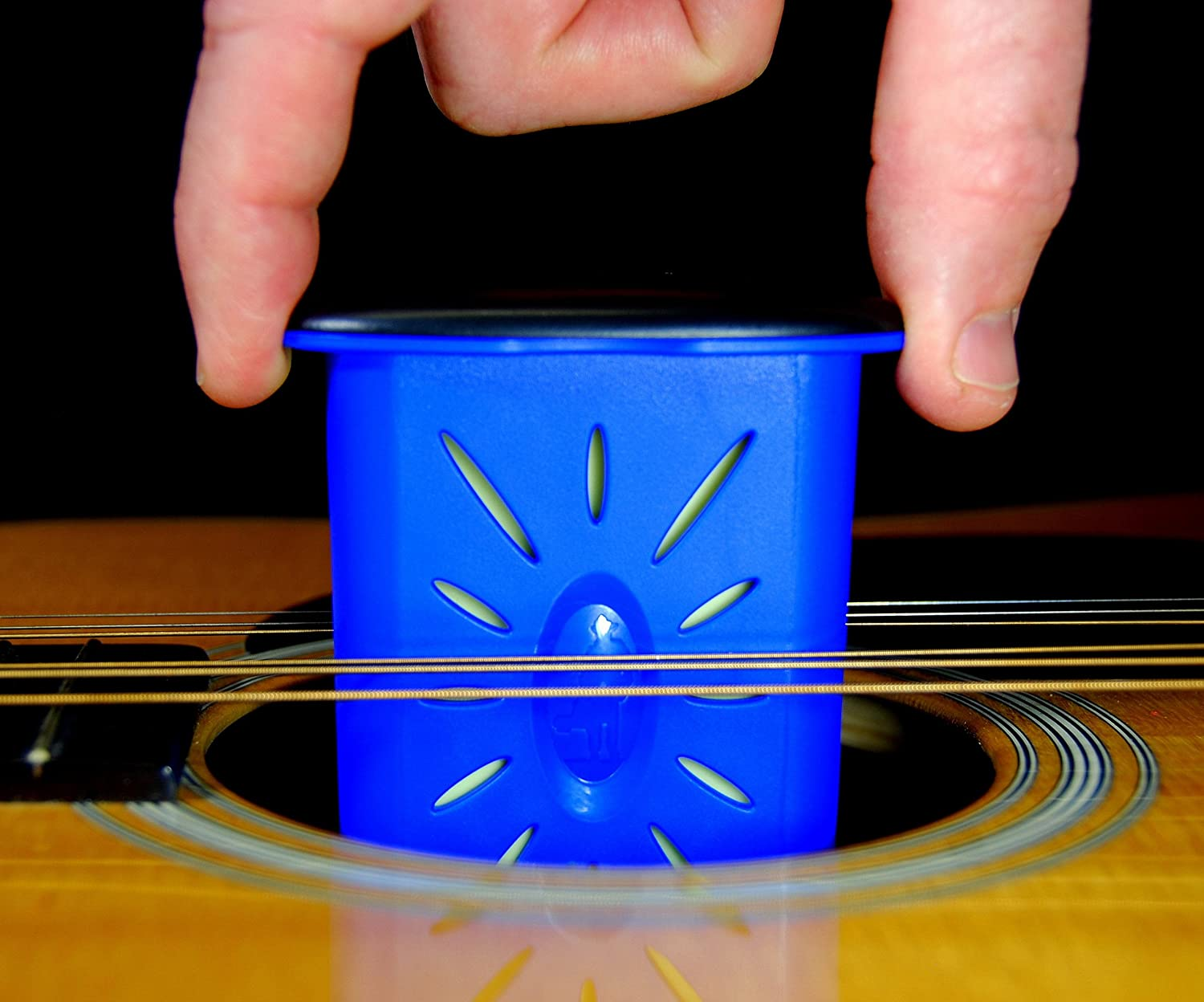 MusicNomad MN300 Acoustic Guitar Humidifier