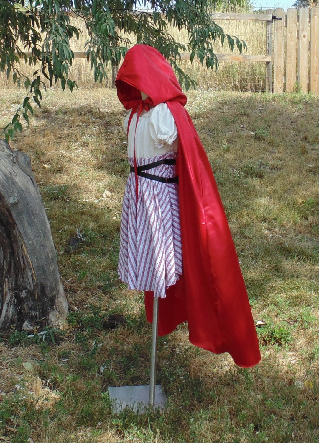 Teen Girls 10-14 Red Ridding Hood with Hooded Cape