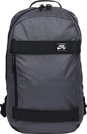 97319621cae Amazon.com  Nike SB Courthouse Backpack  Clothing