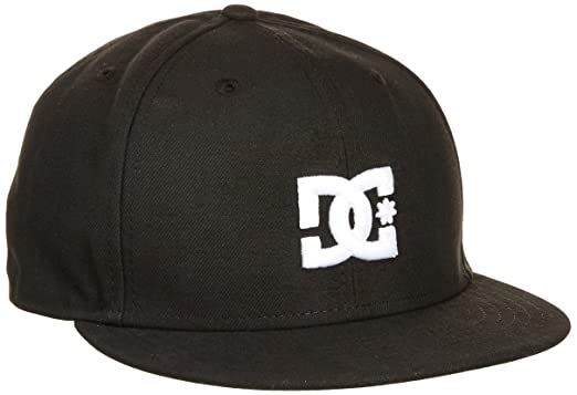 Amazon.com  DC Men s Empire Se Fitted Hat 163495fbb6a