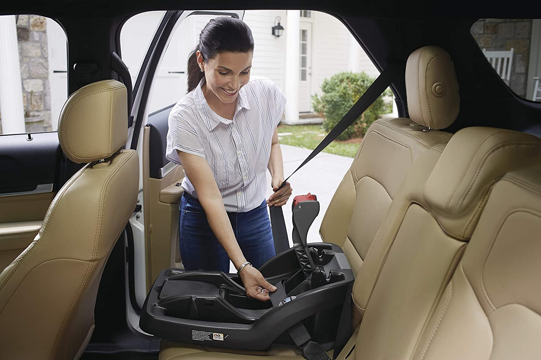 Black Graco SnugRide SnugLock Infant Car Seat Base One Size
