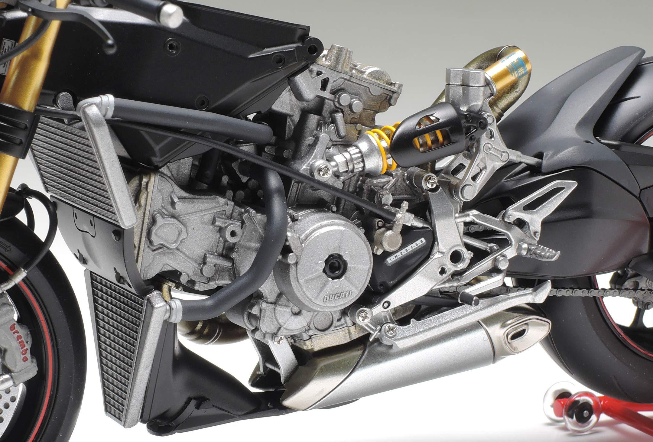 Tamiya 14129 1:12 Ducati 1199 Panigale S Model 9