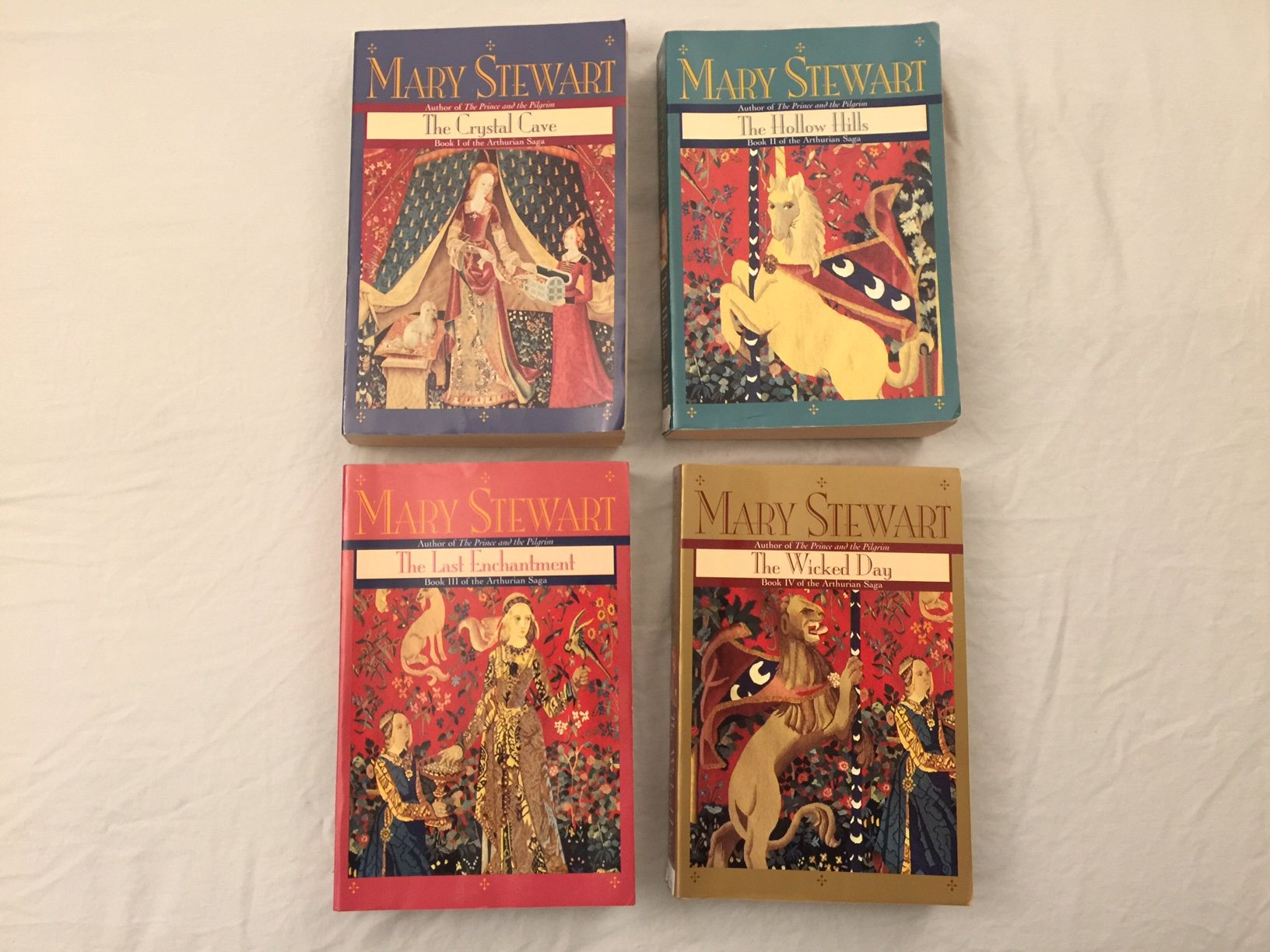The Arthurian Saga Complete Collection - The Crystal Cave / The Hollow Hills  / The Last Enchantment / The Wicked Day: Mary Stewart: 6550452173820: ...
