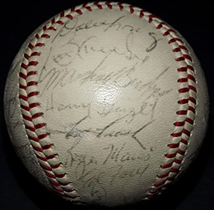bdcdaa6330e Roger Maris Yogi Berra 1963 Yankees Team Signed Baseball Mickey ...