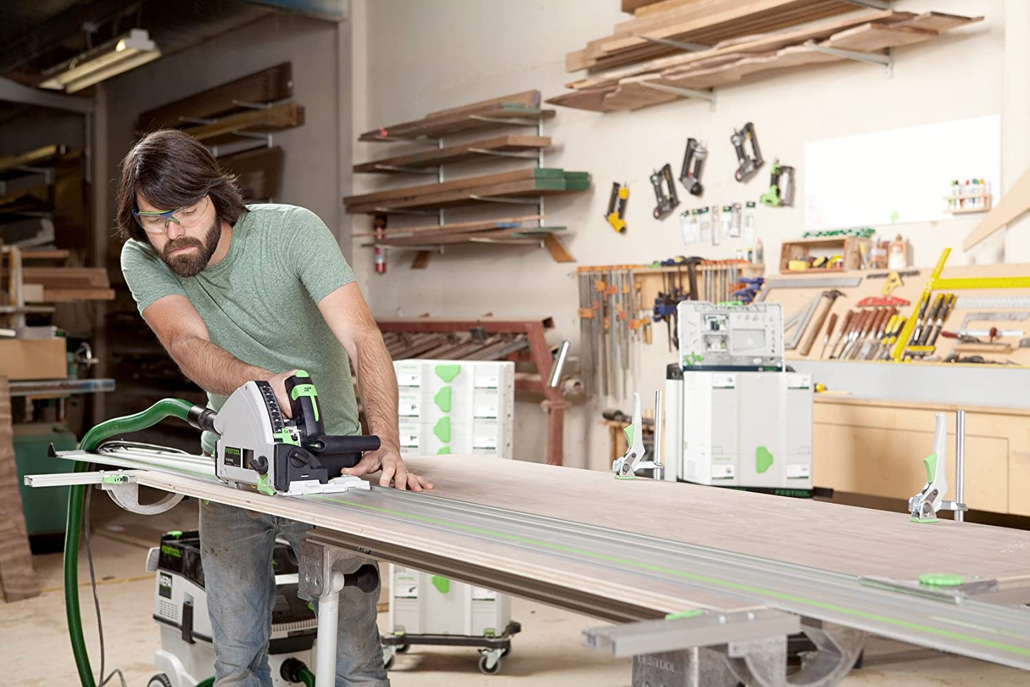 demonstration of dust collection on Festool TS 55