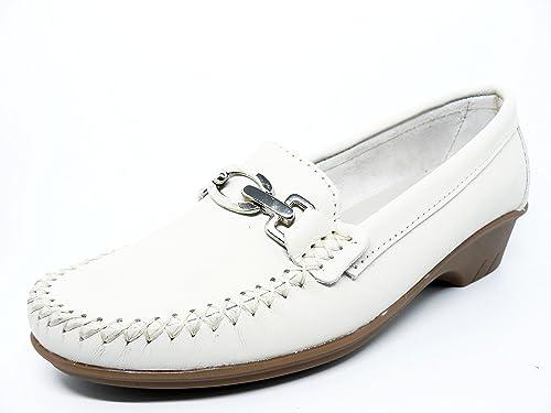 Zapato mujer casual mocasin marca DELTELL en piel color Beige adorno estribo metalico 426 - 26