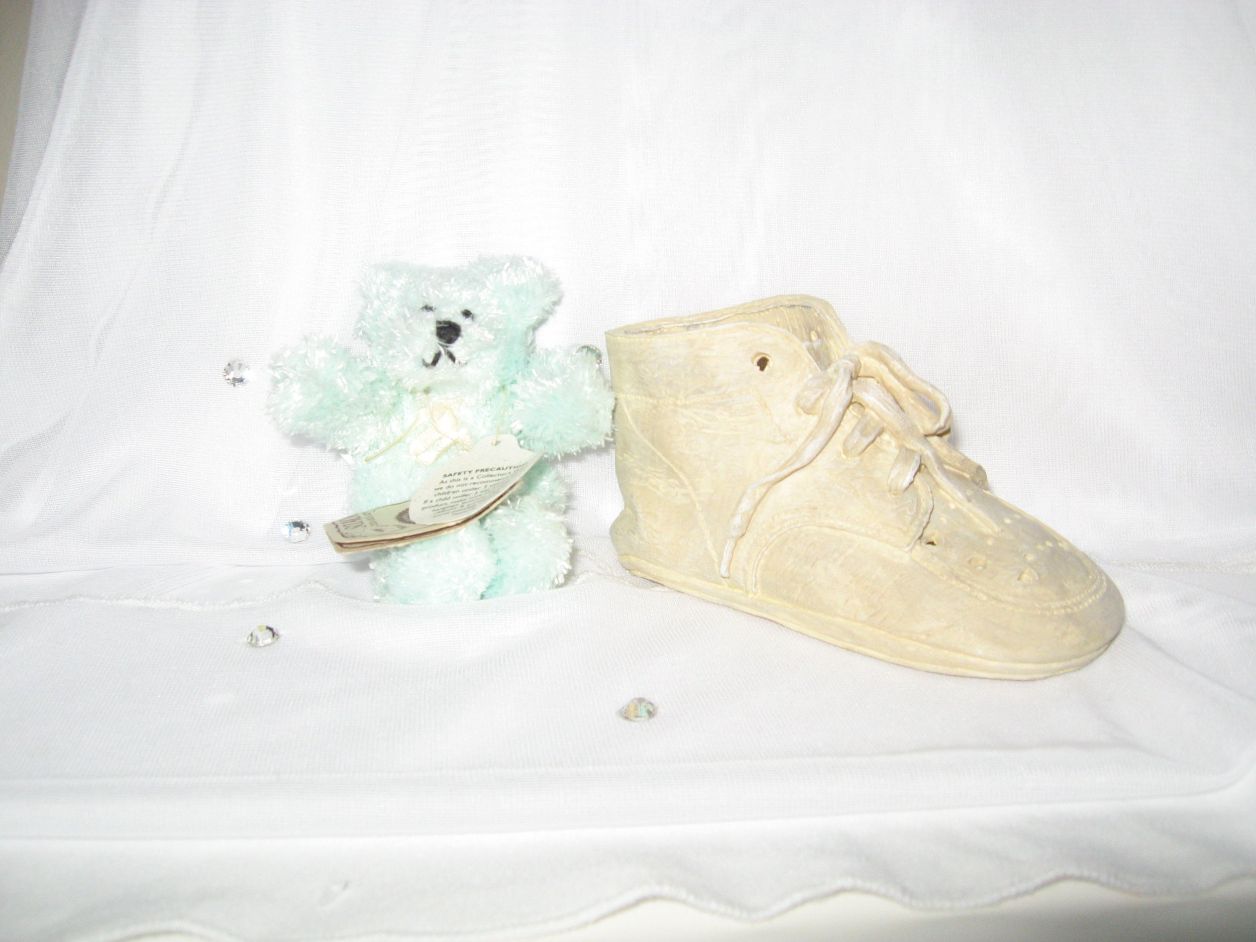 Boyds Baby Steps Lissy Resin Baby Bootie with Mint Green Mini Boyds Bear