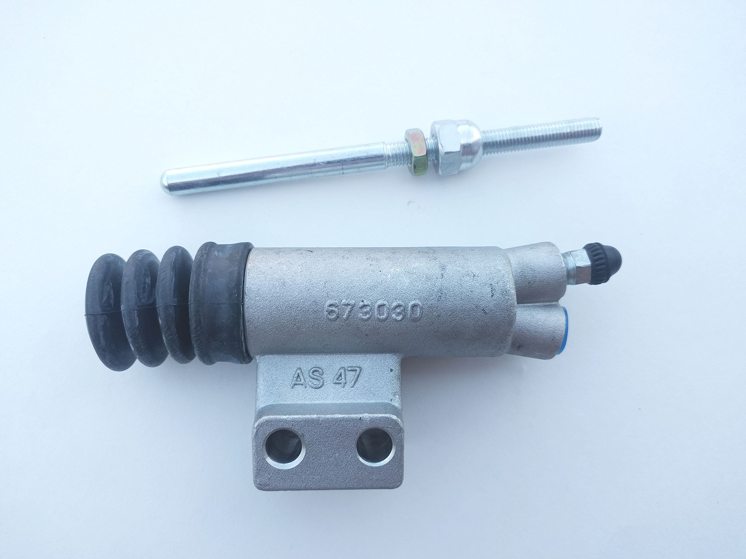 Volvo 122 ('62-'68) Volvo 1800 ('62-'73) Clutch Slave Cylinder KIT NEW 673030 with Actuator Rod and Protective Boot.