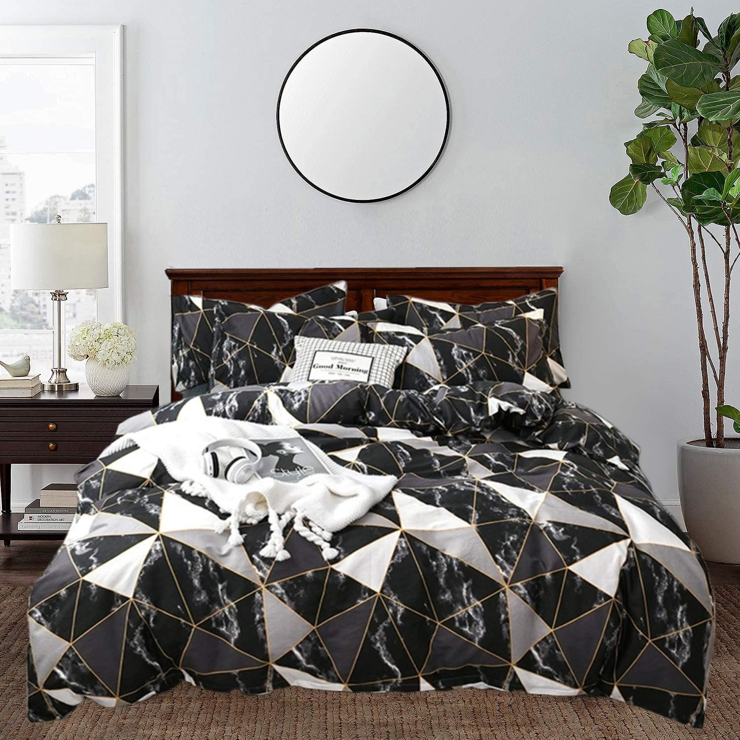 CLOTHKNOW Plaid Marble Comforter Sets King Black and White Bedding Comforter Geometric Triangle Men Women Boys Comforter White Black Grey Bed Comforter 3Pcs Comforter Set with 2 Pillowcases