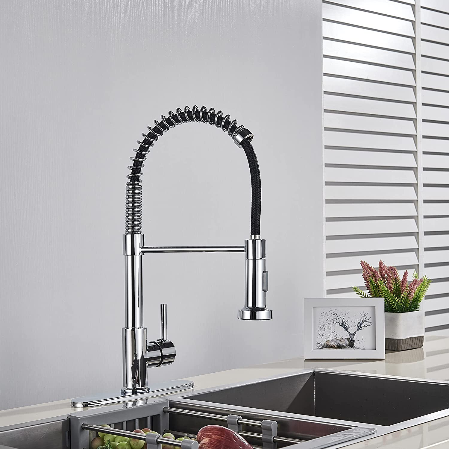Commercial Chrome Kitchen Sink Faucets Single Handle Pull Down Sprayer Mixer Tap