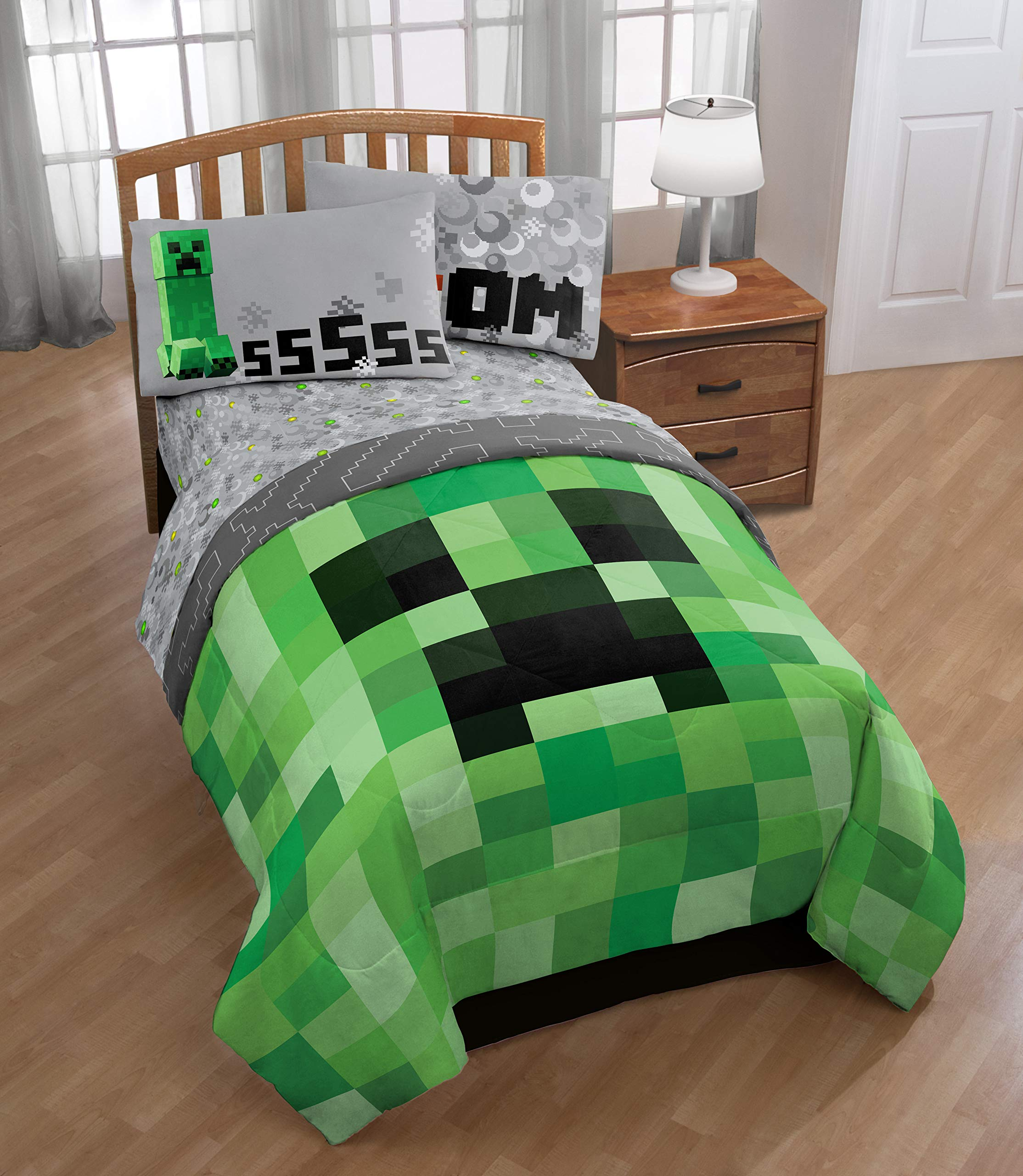 Jay Franco Minecraft Creeper 5 Piece Full Bed Set - Includes Reversible Comforter & Sheet Set - Super Soft Fade Resistant Microfiber - (Official Minecraft Product) by Jay Franco (Image #6)
