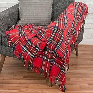 Homescapes - Plaid ou jeté de canapé Wallace Rouge à Carreaux écossais et  Franges, 130 36c5bdca0a1