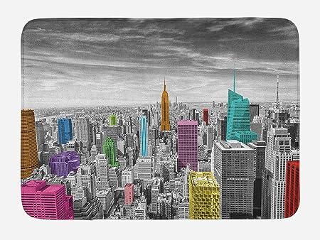 New York Alfombrilla de baño, NYC Cityscape Monochrome fotografía con edificios coloridos Urban Architecture, felpa alfombra de baño decoración con base antideslizante,23.6 x 15.7 pulgadas