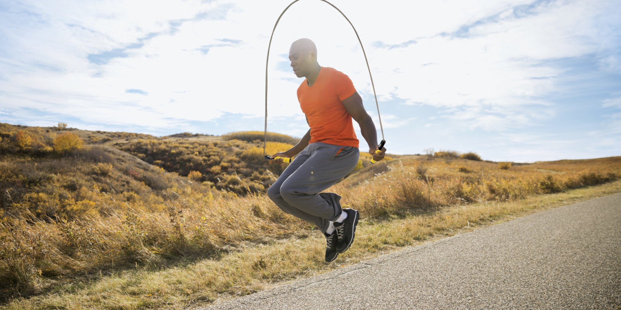 Everlast Jump Rope - Premium Quality - Speed & Adjustable - Cardio Jumping for Men, Women, and Children of All Heights and Skill Levels Compatible w/Smart Fit Bluetooth App to See Your Fitness Data.