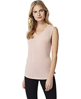 05deea089 32 DEGREES Women 2 Pack Cool Scoop Neck Wicking Tee Shirt at Amazon ...