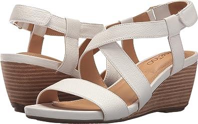 b4b7eccb228 Amazon.com  Me Too Women s Payton  Shoes