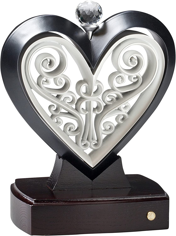Unity heart sculpture