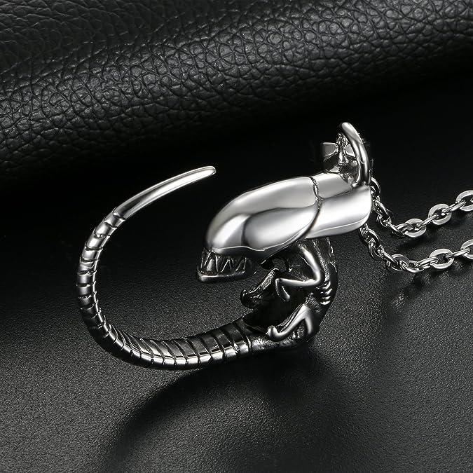 Pendentif Collier Homme Femme Fantaisie Pendentif Spectre Dragon Cool Biker  Motard en Acier Inoxydable avec Sac Cadeau Couleur Argent  Amazon.fr  Bijoux dc492da630c9