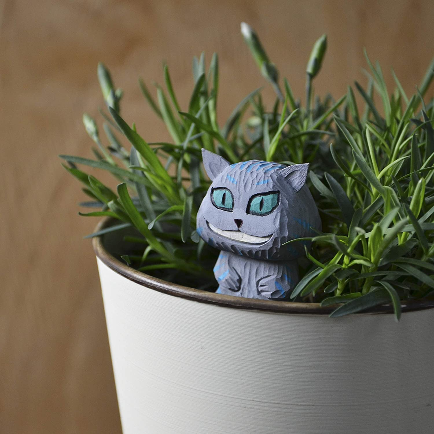 Cheshire Cat Mini Wood Landscape Figure Alice in Wonderland Handmade Mini Garden Decoration on Metallic Stake The Best Idea of Potted Plant D/écor Crafr for Home DIY Cute Wood Furniture