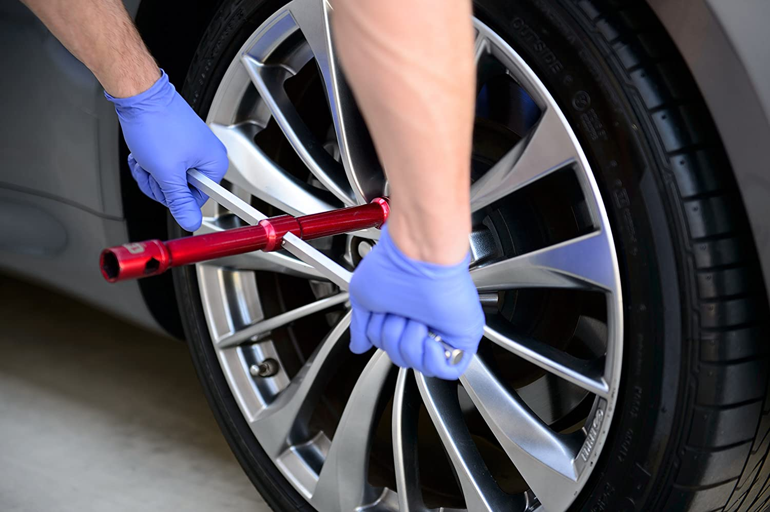 GTE Tools 2X More Torque GTELUG1 Super-Strong Tire Iron /& Lug Nut Remover LugStrong 26 Universal Compact Lug Wrench/Set /Never Get Stuck on The Road Again