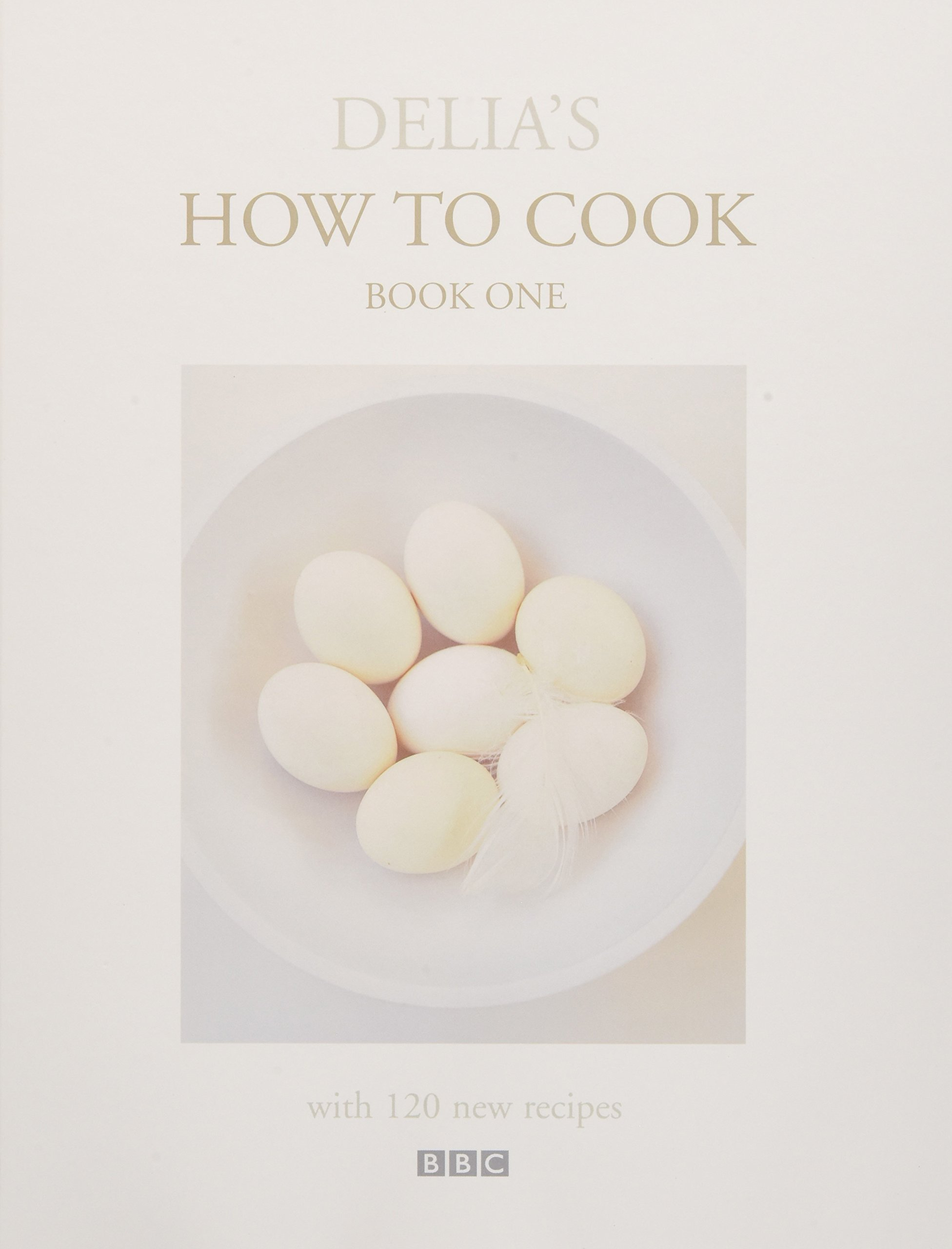 Delia's How To Cook: Book One: Delia Smith: 9780563384304: Books  Amazon