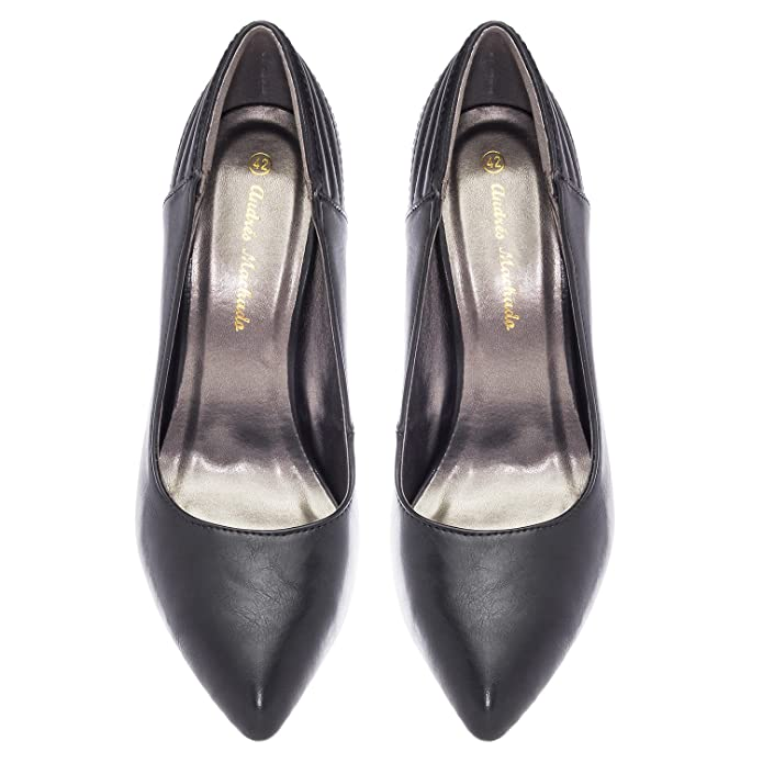 Andres Machado Black Faux Leather Pointed Toe Pumps, UK 2.5/EU 35:  Amazon.co.uk: Shoes & Bags