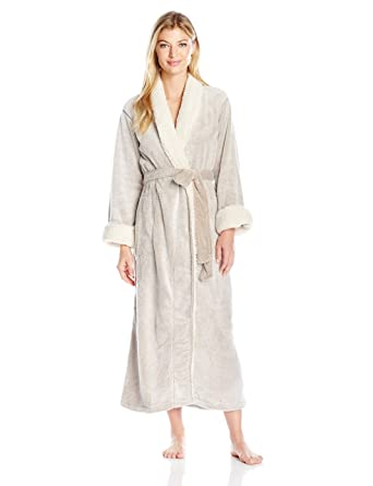 Robe pull and bear 2015