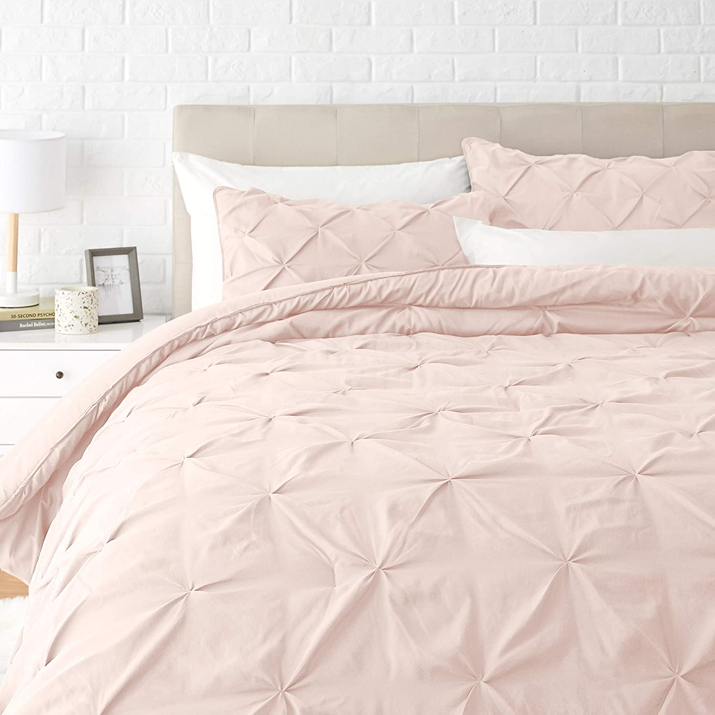 AmazonBasics Pinch Pleat Down-Alternative Comforter Bedding Set - Full / Queen, Blush