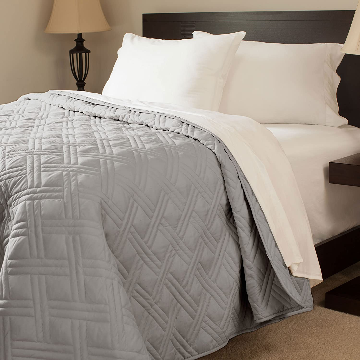 Bedford Home Solid Color Bed Quilt, Full/Queen, Silver