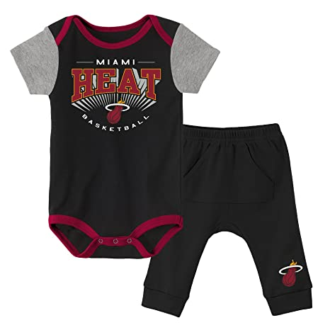 NBA Toronto Raptors Future Legend Bodysuit Trousers /& Hat Set Newborn Kids